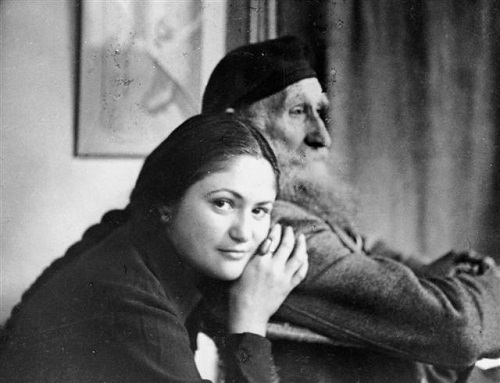 History of twentieth-century art in Dina Vierny. Aristide Maillol and Dina Vierny, his favorite model