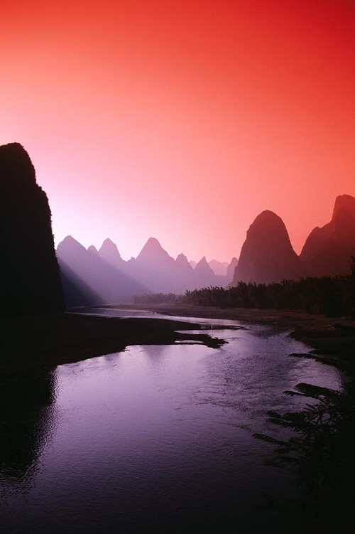 River of poets and artists Li