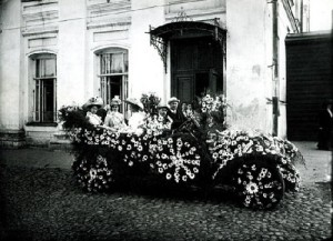 Day of white daisies - the day of collection of contributions to the fight against tuberculosis, 1912