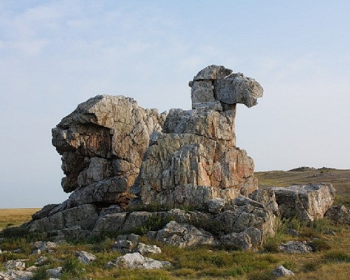 Stone wonders of Russia. Orenburg Camel Hill