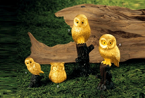 Owl brings happiness, it is a symbol of intelligence, well known as the god of learning in Japan, it is also the charm of 'good business' because it is able to foresee