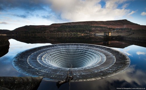 Spillway of this form is not the only one in the world, but also the biggest