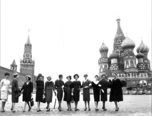 12 models who demonstrated in 1959, a collection of Christian Dior in Moscow.