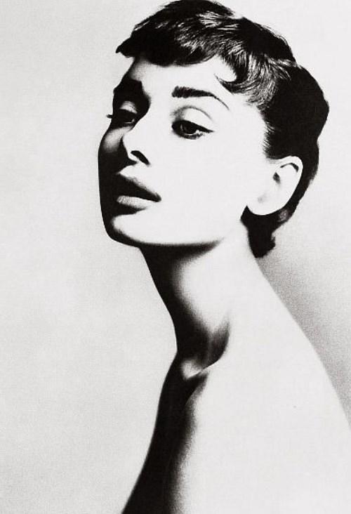 Innovative photographer Richard Avedon. Audrey Hepburn