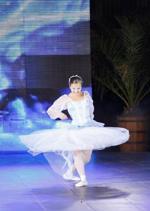 Nastya performed the dance of Swan Lake
