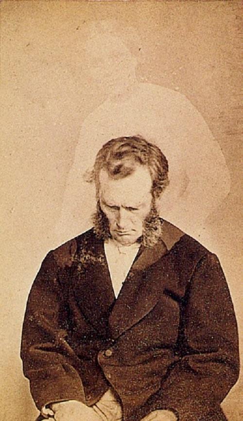 Spirit photographer William Mamler