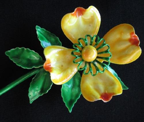 Vintage 60's 70's Signed Hattie Carnegie Enamel Metal Flower Pin Brooch Retro. Hattie Carnegie jewelry