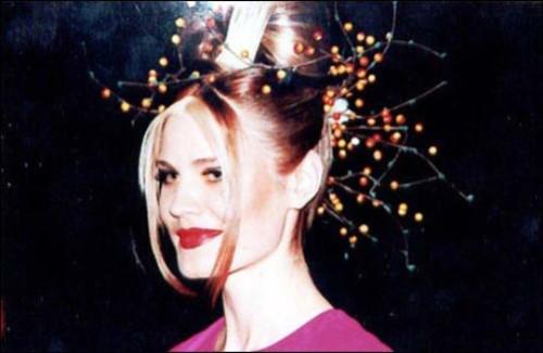 18 -year-old Miss Charm' 98 Eleanora Kondratuk