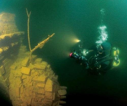 Chinese Atlantis underwater Lion City Shi Cheng