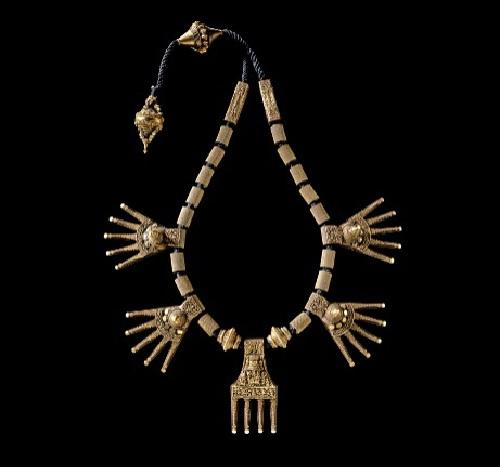 Wedding necklace. Chettinad, XIX c. Barbier-Mueller Museum, Geneva. Kremlin jewelry exhibition 'India - Jewels that conquered the world'