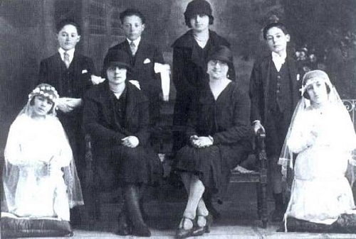Eva Duarte at her First Holy Communion, 1926 (on knees, left)