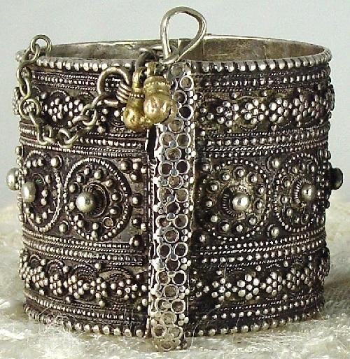 Silver jewellery of Yemeni bride