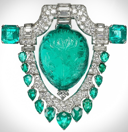 Beauty collector Marjorie Merriweather Post. Emerald brooch
