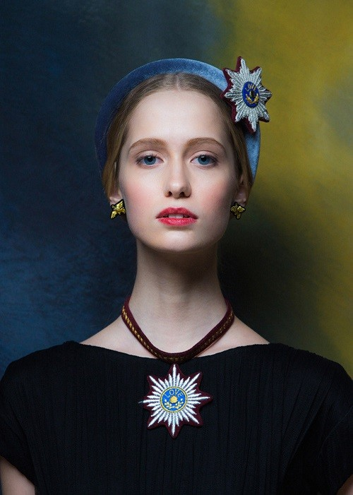 Bezel with a brooch in the form of order and a necklace with a similar pendant. War and Peace jewelry collection by Evgenia Linovich