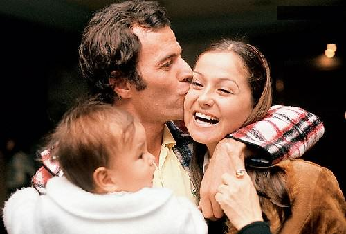 Loving life Julio Iglesias. First wife of Iglesias Isabel Preysler bore three children (pictured with his son Julio Iglesias Jr.)