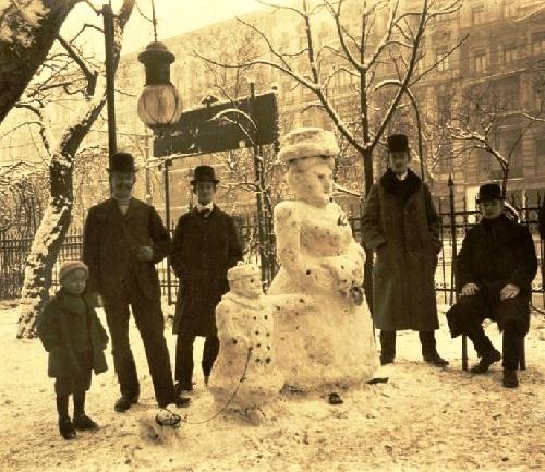 Creation of Snowman. Dutch Queen Wilhelmina and Princess Juliana as snowmen in the Netherlands (1913)