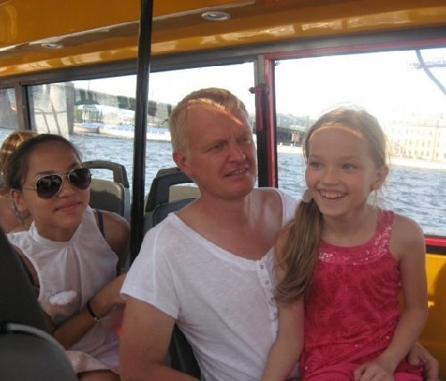 Kamila and Milena (right) Korobeynikova with their dad