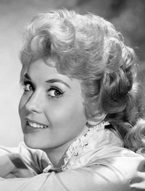 Actresses we lost in 2015. Donna Douglas