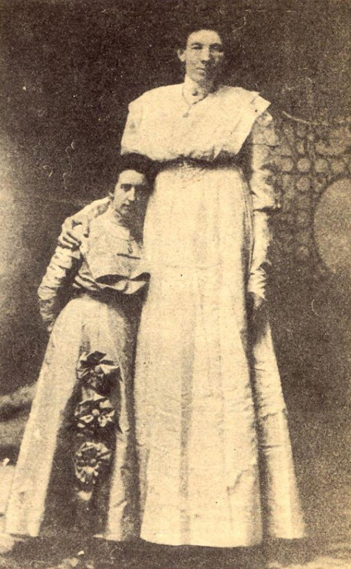 "American woman Ella Kate Ewing from Missouri was considered the world's tallest female of her era. She earned a living by participating in a sideshow attraction ""The Missouri Giantess."""