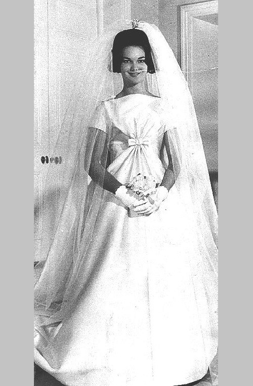 Duchess of Bedford in a beautiful wedding dress, 1961