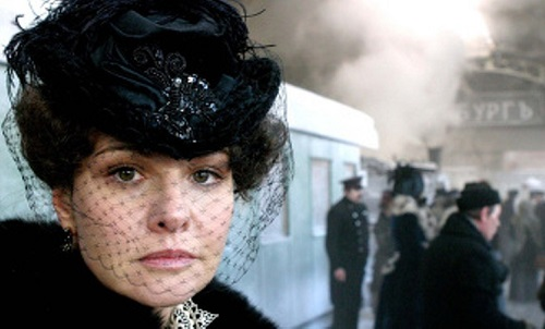 2008 movie directed by Sergey Solovyov. In the role of 27-year-old Anna Karenina - 48-year-old actress Tatyana Drubich