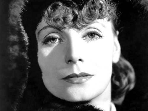 Anna Karenina film adaptations. Greta Garbo as Anna Karenina, 1935 MGM