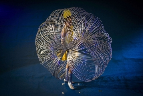 Chinese Lingling Jin broke the record twirling 105 hoops at the same time