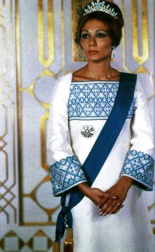 Official portrait of Empress of Iran Farah Pahlavi