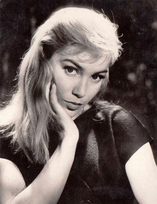 1950s French beauty Estella Blain (1930 – 1982)