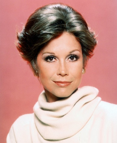 Mary Tyler Moore (29 December 1936 — 25 January 2017), American actress