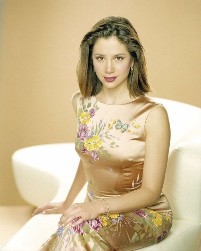 Gorgeous American actress Mira Sorvino
