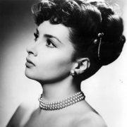 Jewellery lover Gina Lollobrigida