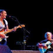 The third husband of Shined was Australian guitarist Steve Cooney