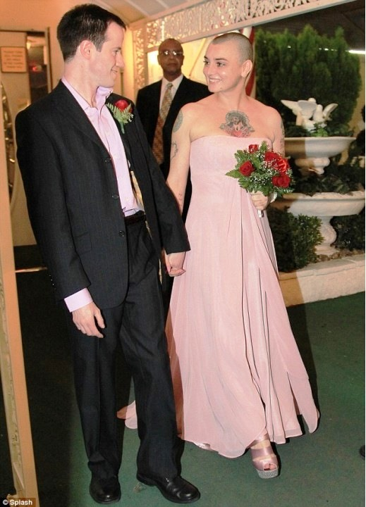 Wedding day, Sinead O'Connor in a pink dress