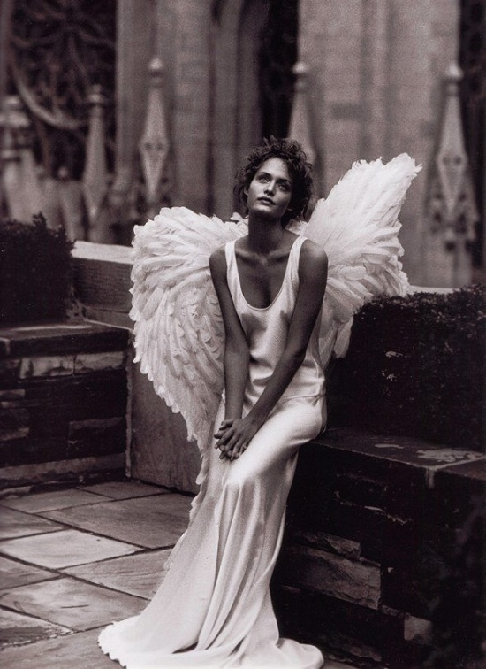 'City of Angels' editorial, Harper's Bazaar 1993. American super model Amber Valletta