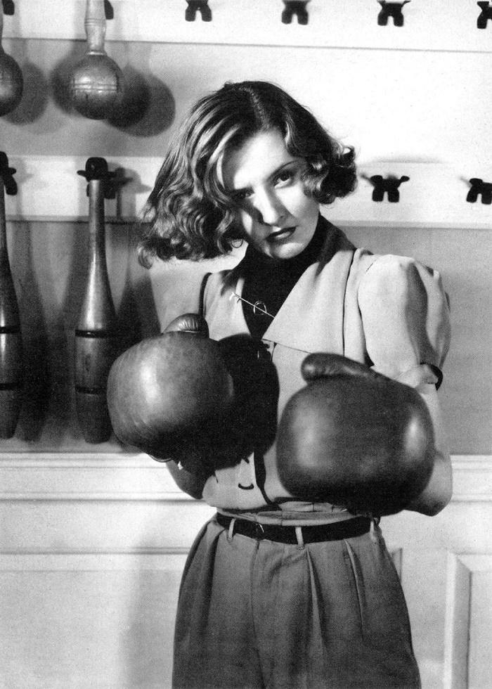 1939 film Golden boy