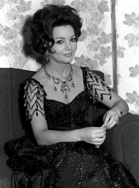 1940-1960s-star-Sara-Montiel