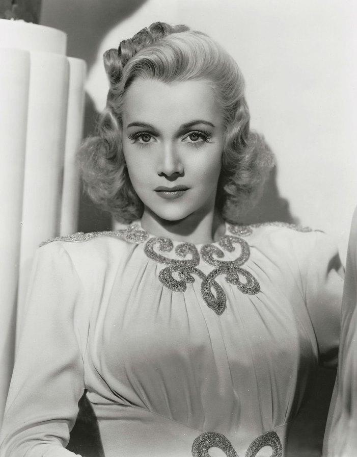 1945 photo, Carole Landis