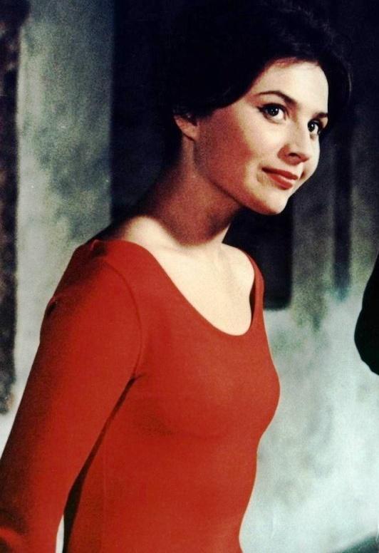 1962 film When the cat comes. Slovak actress Emilia Vasharyova