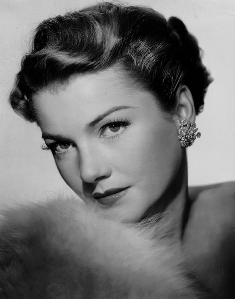 American actress Anne Baxter