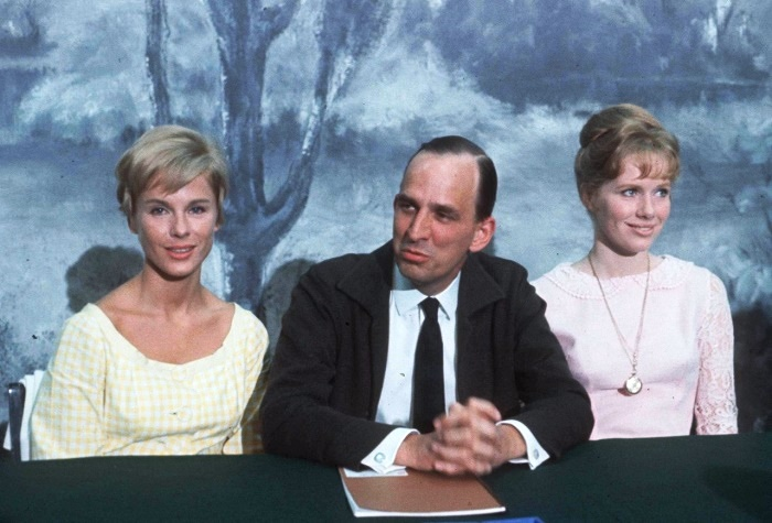 At press conference for 'Persona', Bibi Andersson, Ingmar Bergman and Liv Ullmann. 1965