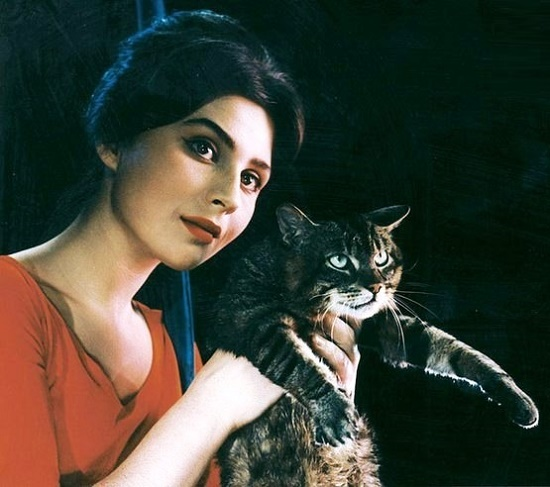 Az prijde kocour (The cat will come), 1963. 1960s most beautiful Slovak actress Emilia Vasharyova