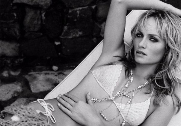 Bead necklace, Amber Valletta