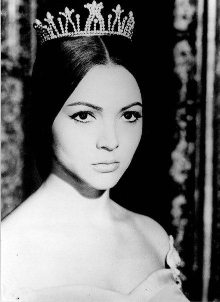 Beauty queen Sara Montiel
