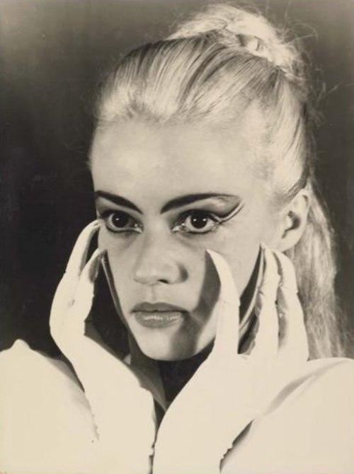Blonde Jeanne Moreau