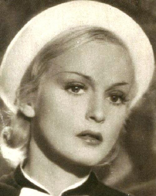 Blonde beauty Camilla Horn