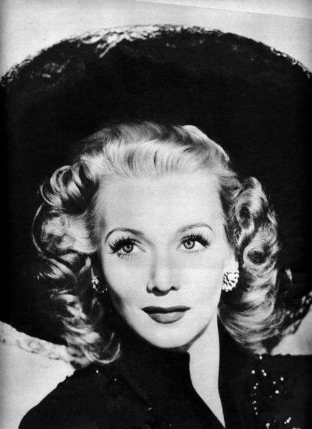 Blonde beauty Carole Landis