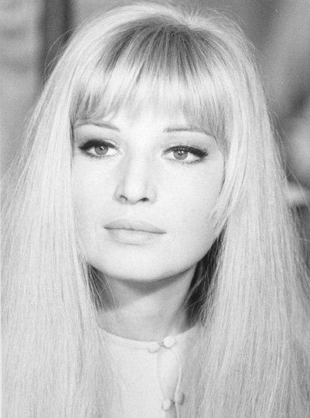 Blonde beauty Monica Vitti
