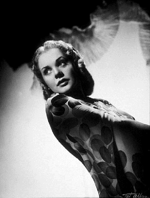 Born Alice Jeanne Leppert, Twentieth Century Fox greatest female star Alice Faye (1912–1998)