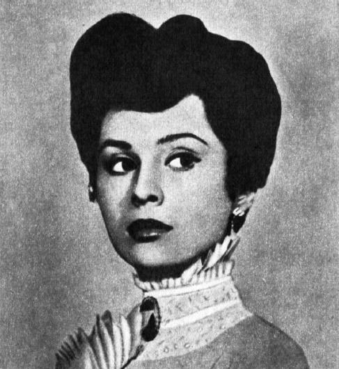 Czechoslovakian stage and screen actress Emilia Vasharyova